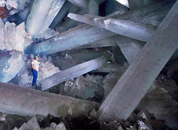 """Кристальная """"пещера гигантов"""" в Мексике - фото 1"""