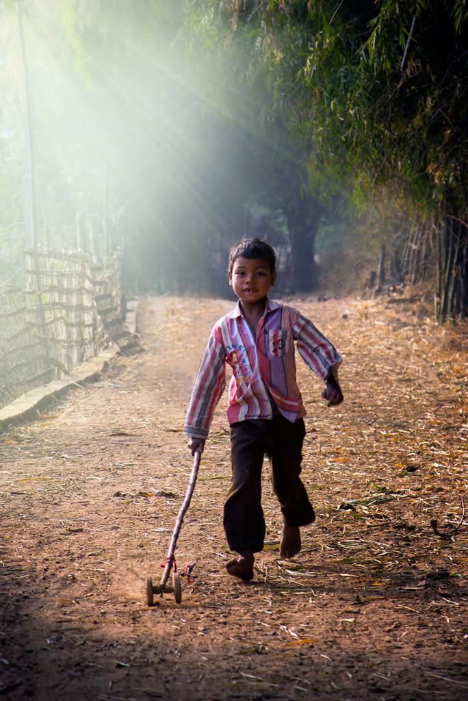 радостные лица детей